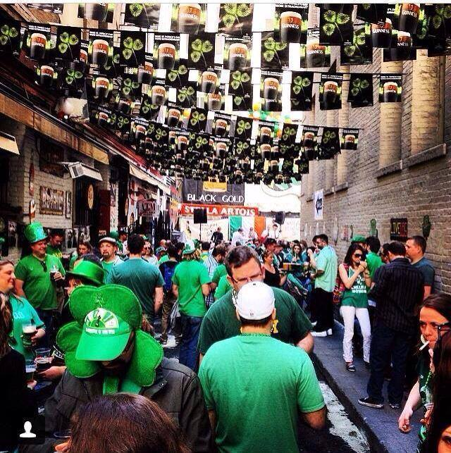Irish Bank in SF, great alley with great people to celebrate St. Patrick's day!