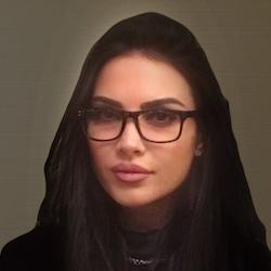 Dee Akillii