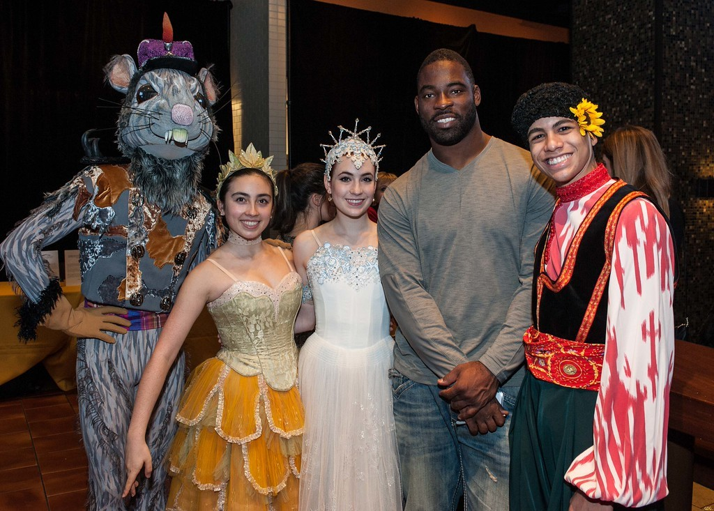 Justin Tuck at Holiday Heroes 2014 with the SF Ballet Nutcraker Dancers