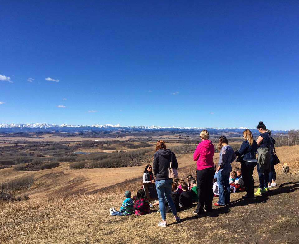 Families learn about the Foothills from the Leighton Art Centre's property