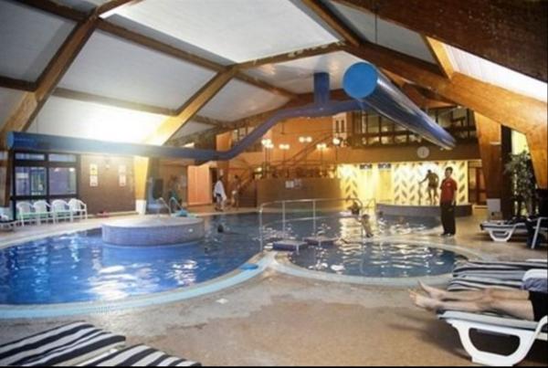 Ramada pool 1