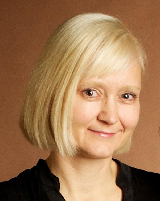 portrait photo of Angele McHolm