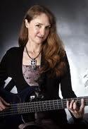 Vicki Grossi: Bassist