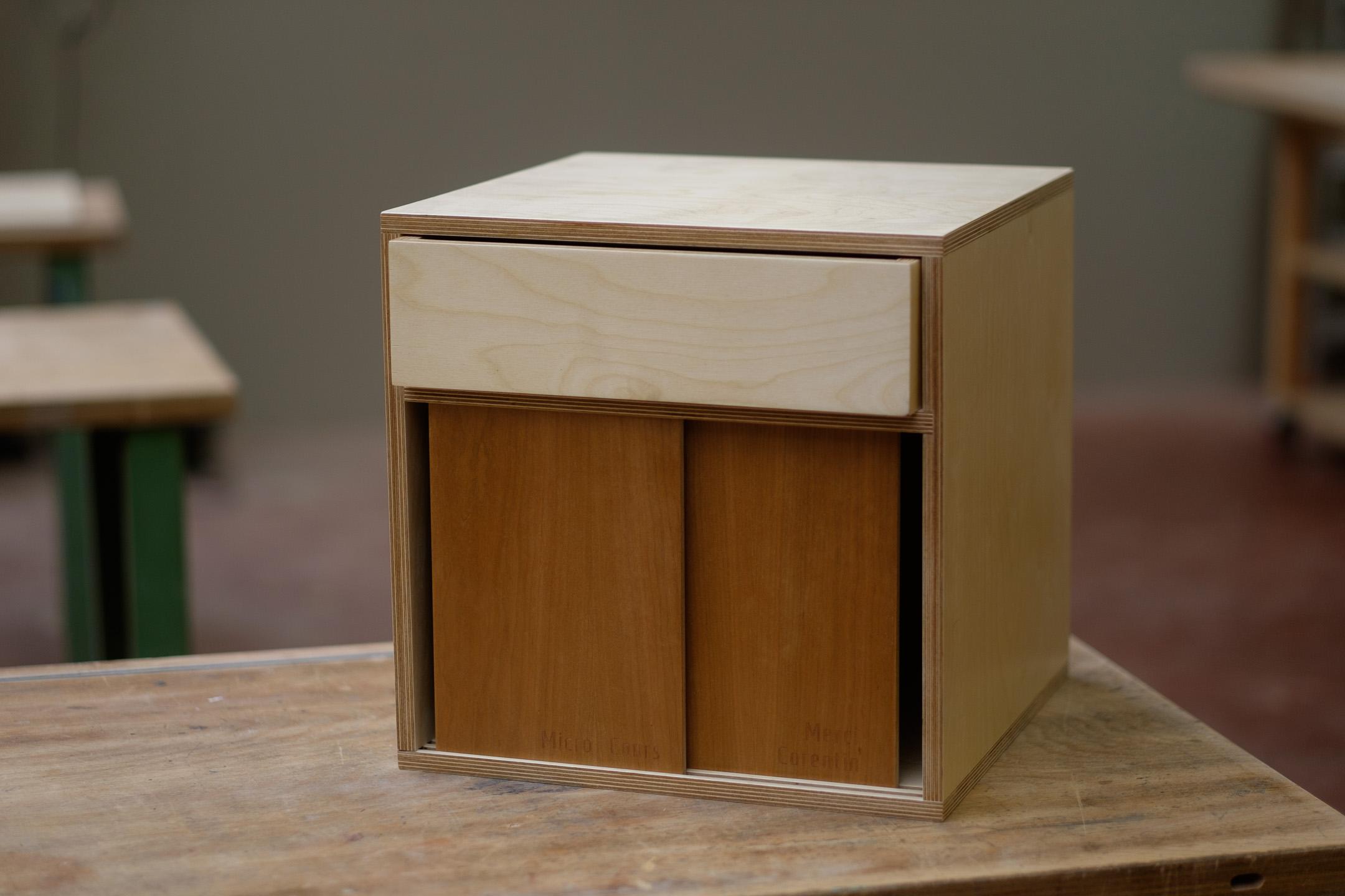 photos d'un meuble réallisé par un élève