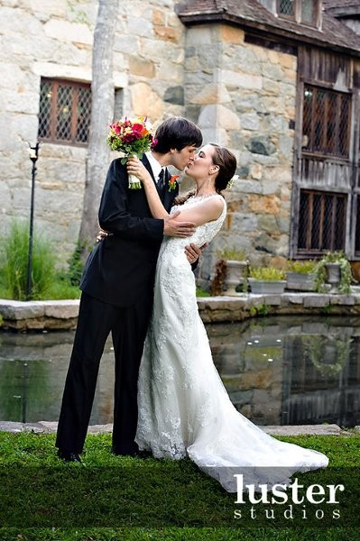 Great Hall Bride Groom Kiss
