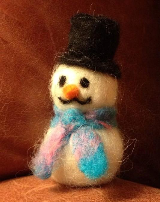 Make needlefelted snowman