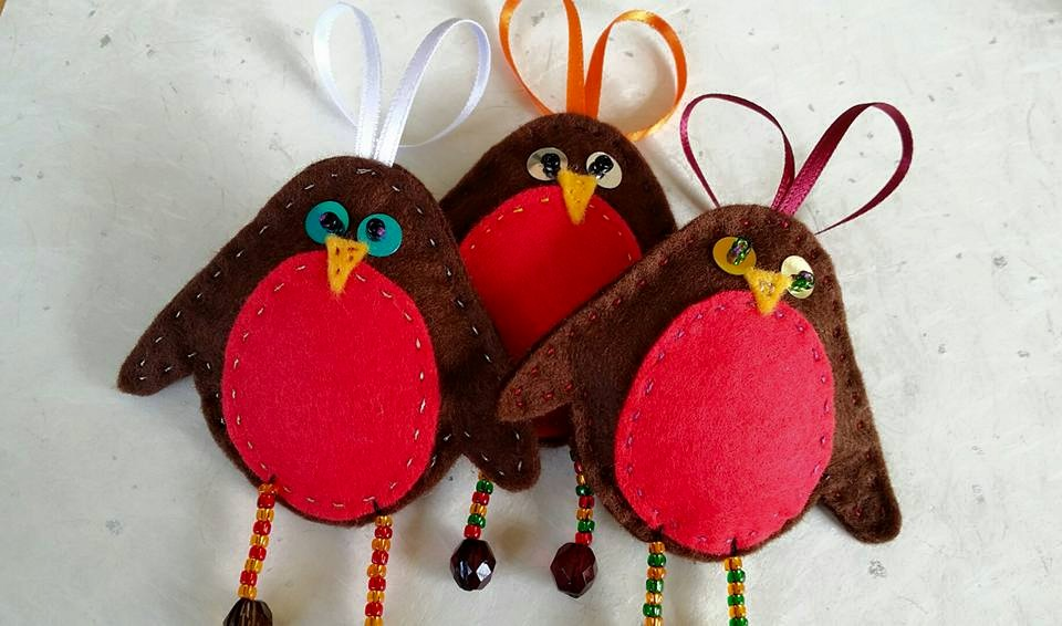 Make Christmas robins