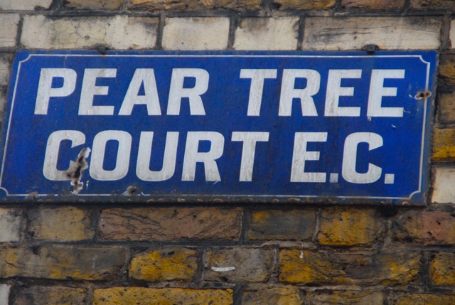 Pear Tree Court sign