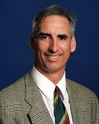 Oliver Luck headshot