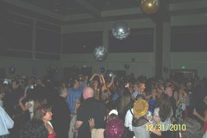 GIANT New Year's Eve Party (hundreds of singles attend)