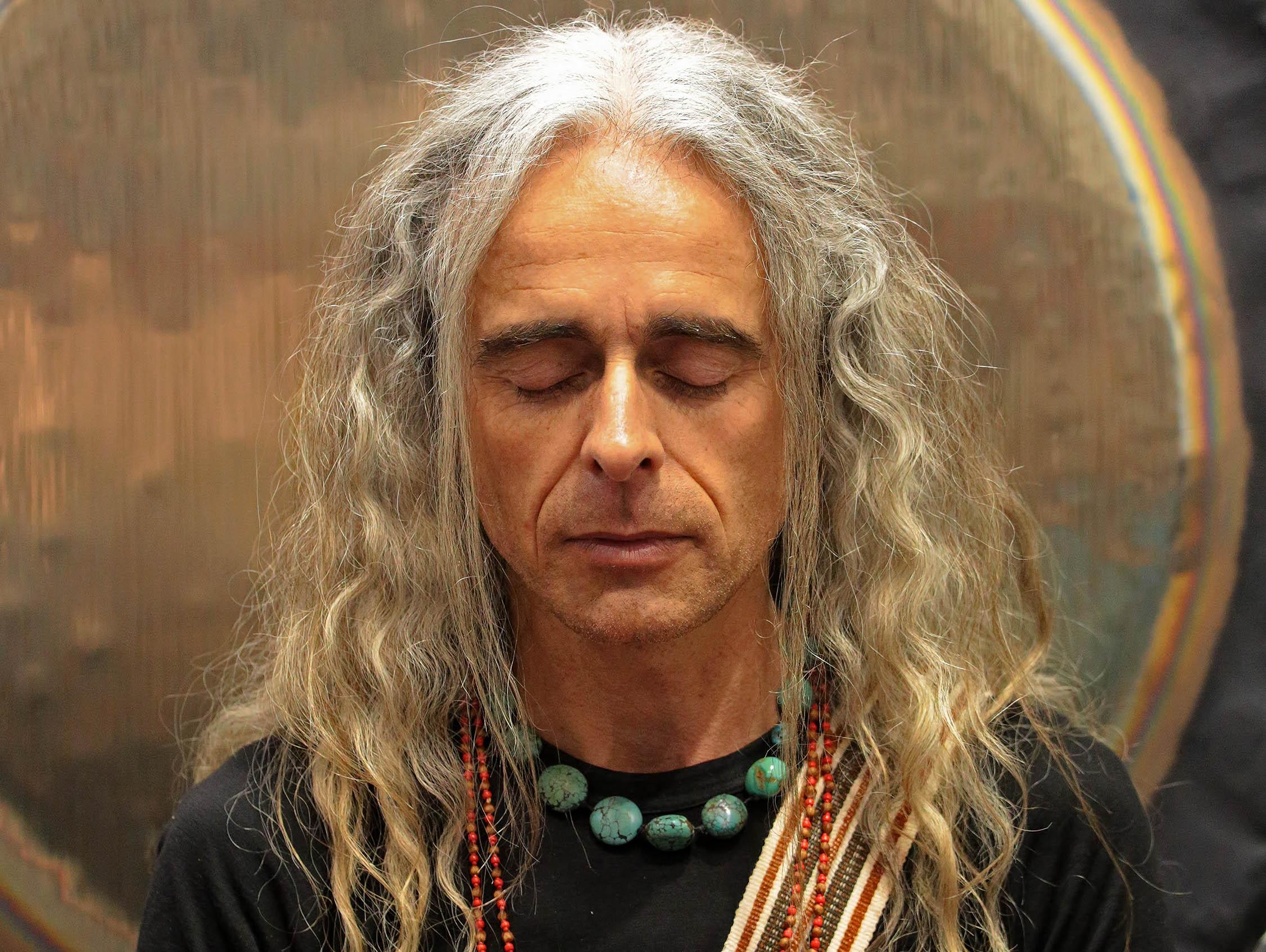 Sika meditating