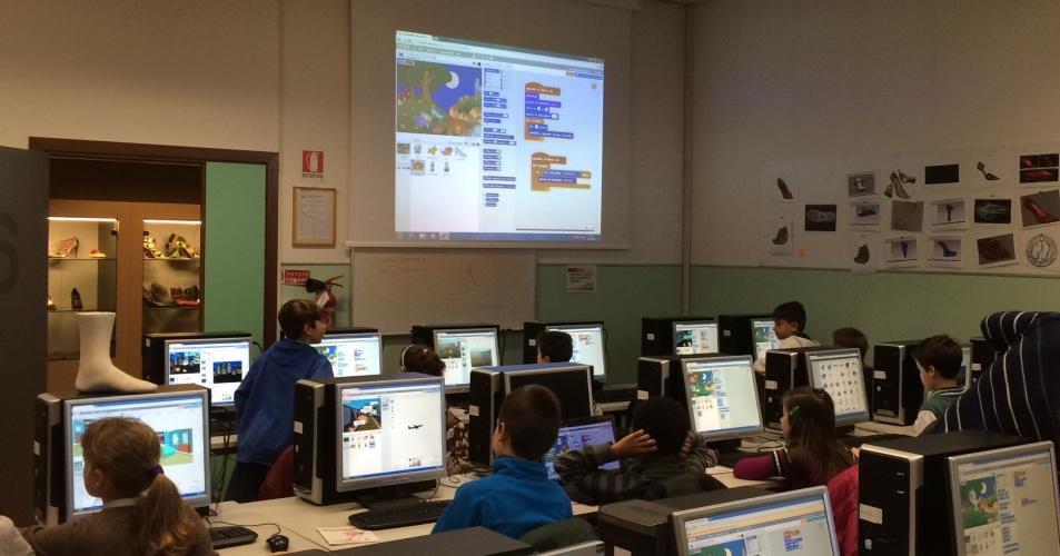 Laboratorio coding a scuola
