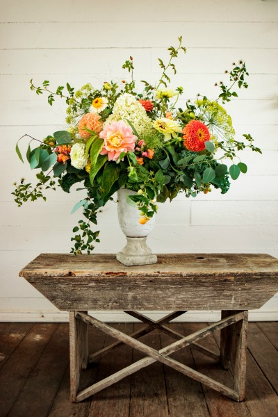 Flowers by Country Bouquets Floral, photo by Clinton James Photography
