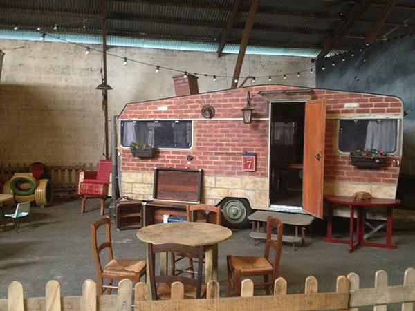 Photo d'une caravane au coeur de Aire 38, où se déroulera l'événement La fabrique du changement