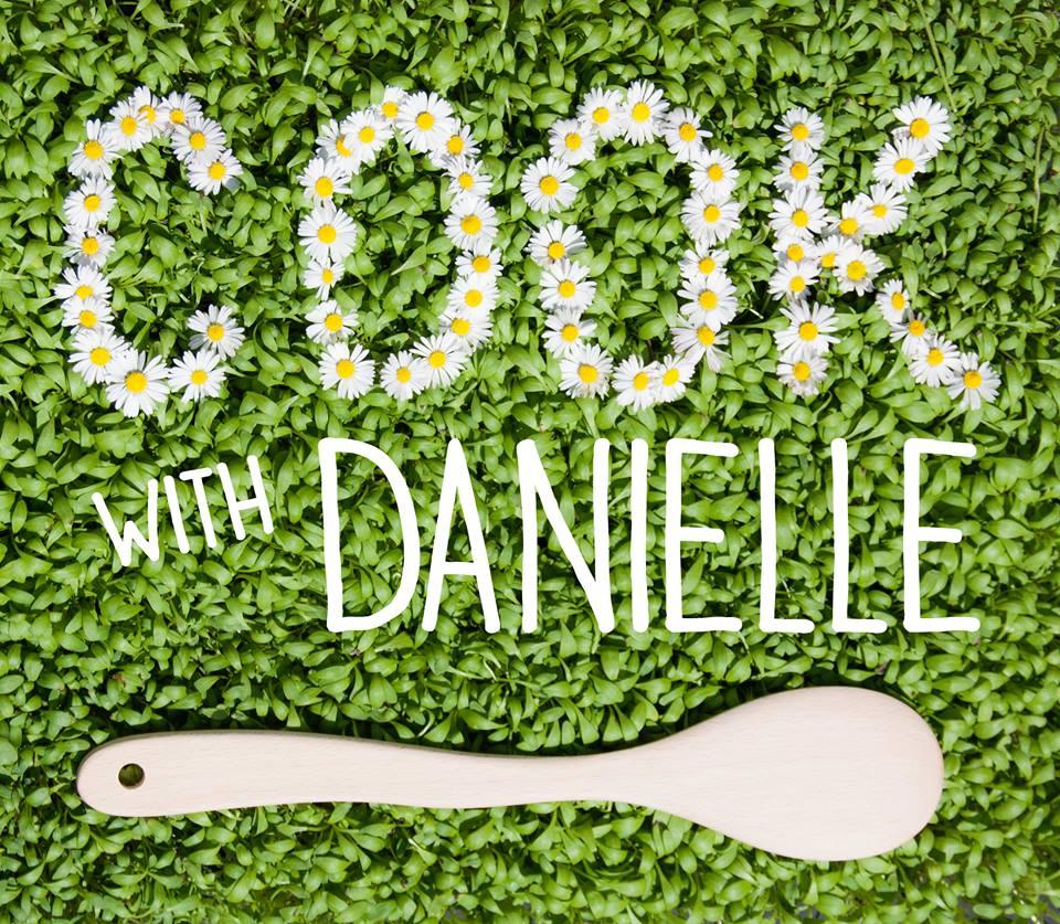 logo CookwithDanielle en fleurs et cressonnette