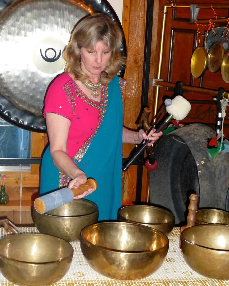 Jan with Gong & Bowls