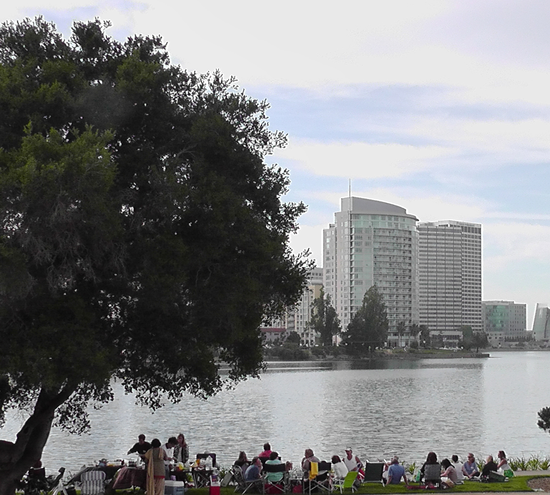 Deeksha Givers at Lake Merritt