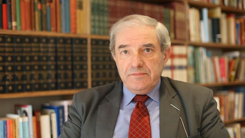 Dr Chris Hewer