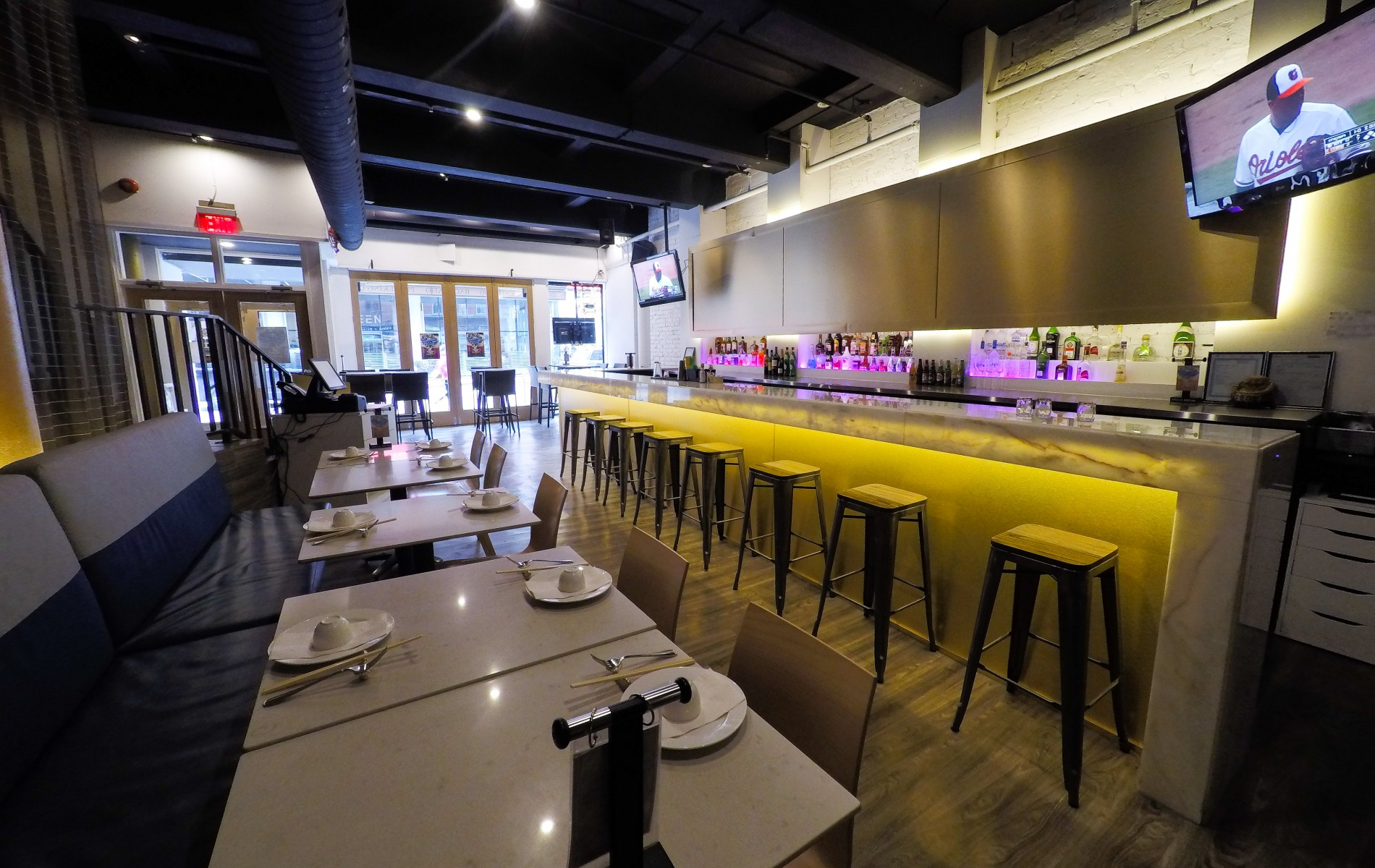 dating restaurants toronto Toronto is home to over 2 billion bangladeshi immigrants1 contributor afghan refugeesand up torohingyas from iran in dating lahore restaurants.