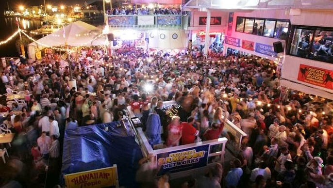 """Travis Porter Live At Louies Backyard """"South Party Island ..."""