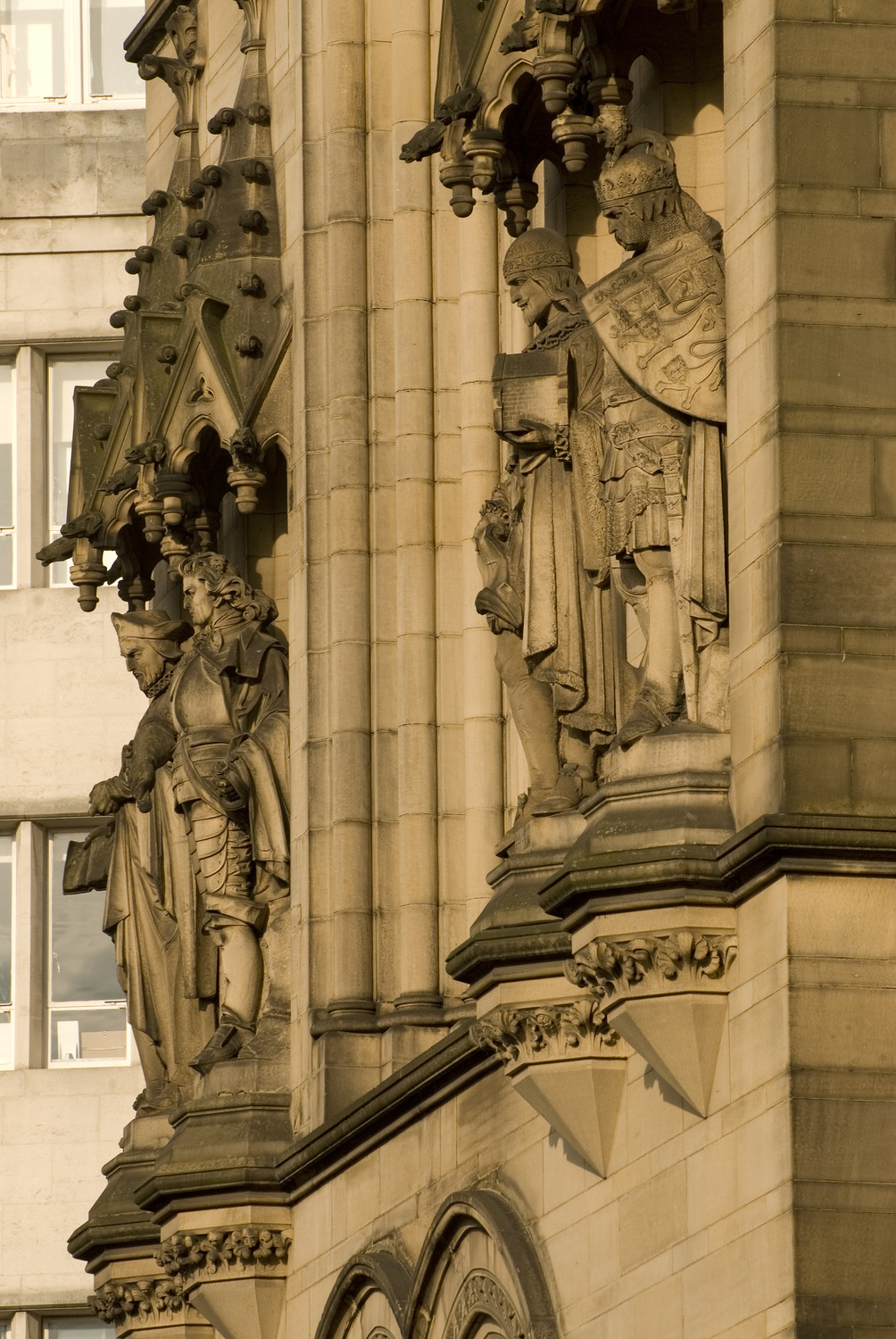 Manchester Town Hall statues