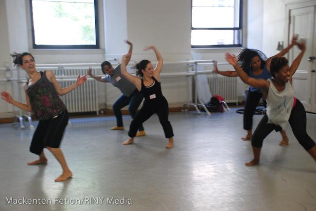 Afro Modern dance class