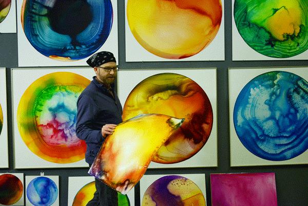 Artist John Sabraw