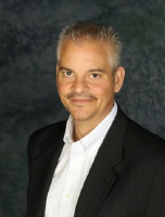 Peter Mueller Headshot