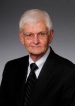 Senator Uvalde Lindsey