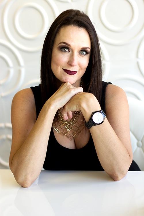Suzanna Mathews, The Date Maven