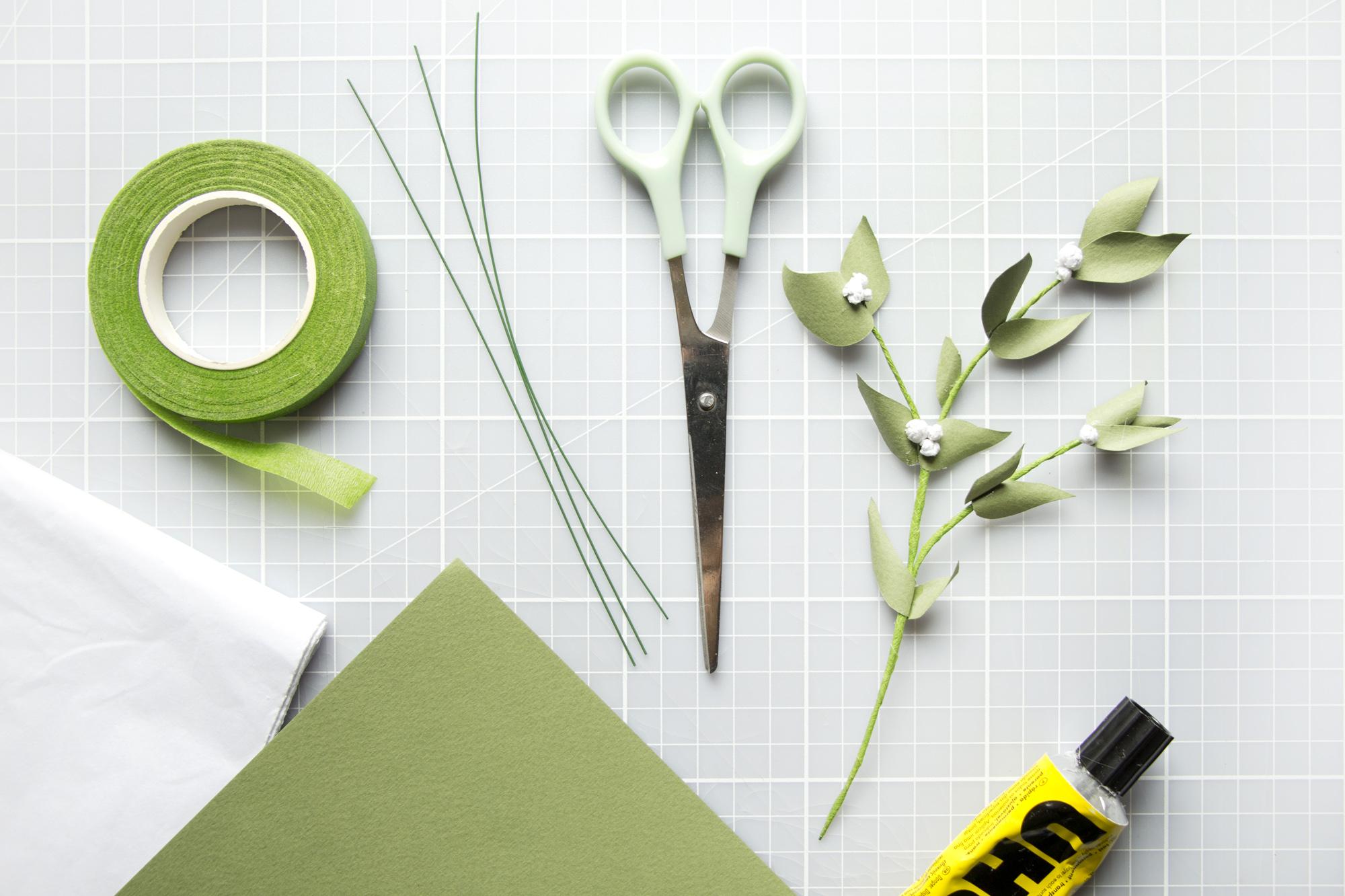 utensils0 - christmas mistletoe workshop - materials