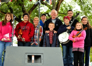 2012 Youth Instrument Championship Winners Receive Checks From Byron Berline