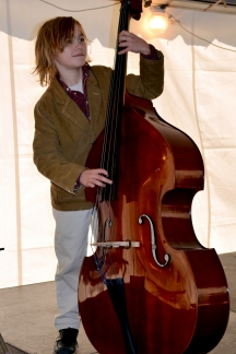 Upright Bass contestant Clem Brade