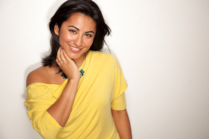 Ana DeVillegas