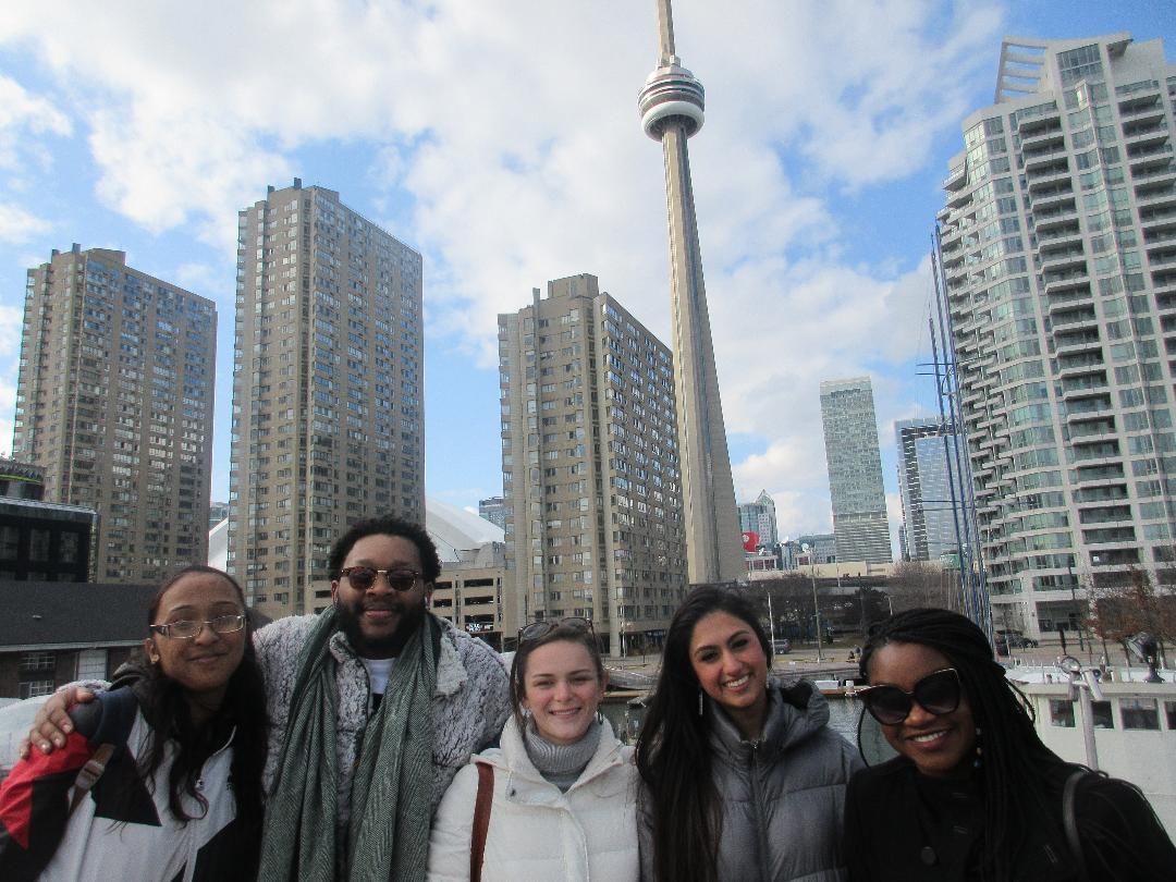 Essential Toronto- full food tour, PATH tour & ferry to Toronto Islands!