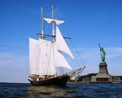 Yacht Cruise/Party around Manhattan (Sponsored by YENI RAKI...