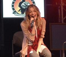 LeAnn Rimes Acoustic Show; a Benefit for 'StandUp For...