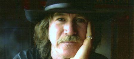 Legendary Irish piper Paddy Keenan - LIVE.