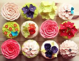 The Cupcake Girls Present: Spring Flowers!