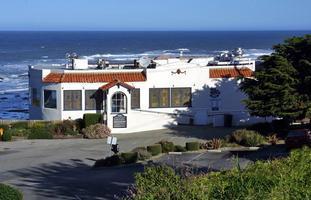 Parapsychologist Loyd Auerbach - Moss Beach Distillery