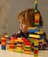 Crea rascacielos con Lego