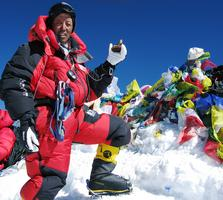 """Apa Sherpa """"On Top of the World"""" ‐ Video & Slideshow"""
