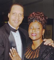 Apostle Steven Davis & Prophetess Valerie Davis logo