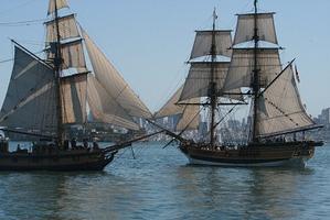 Spectator Sail ~ Lady Washington and Hawaiian...