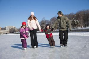 Join us in a traditional Canadian Winter Activity: Ice...