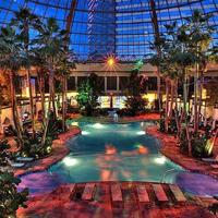 FREE Admission Wednesdays @ Pool After Dark at Harrahs...