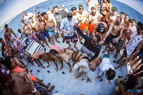 Miami Boat Party - Spring Break Booze Cruise