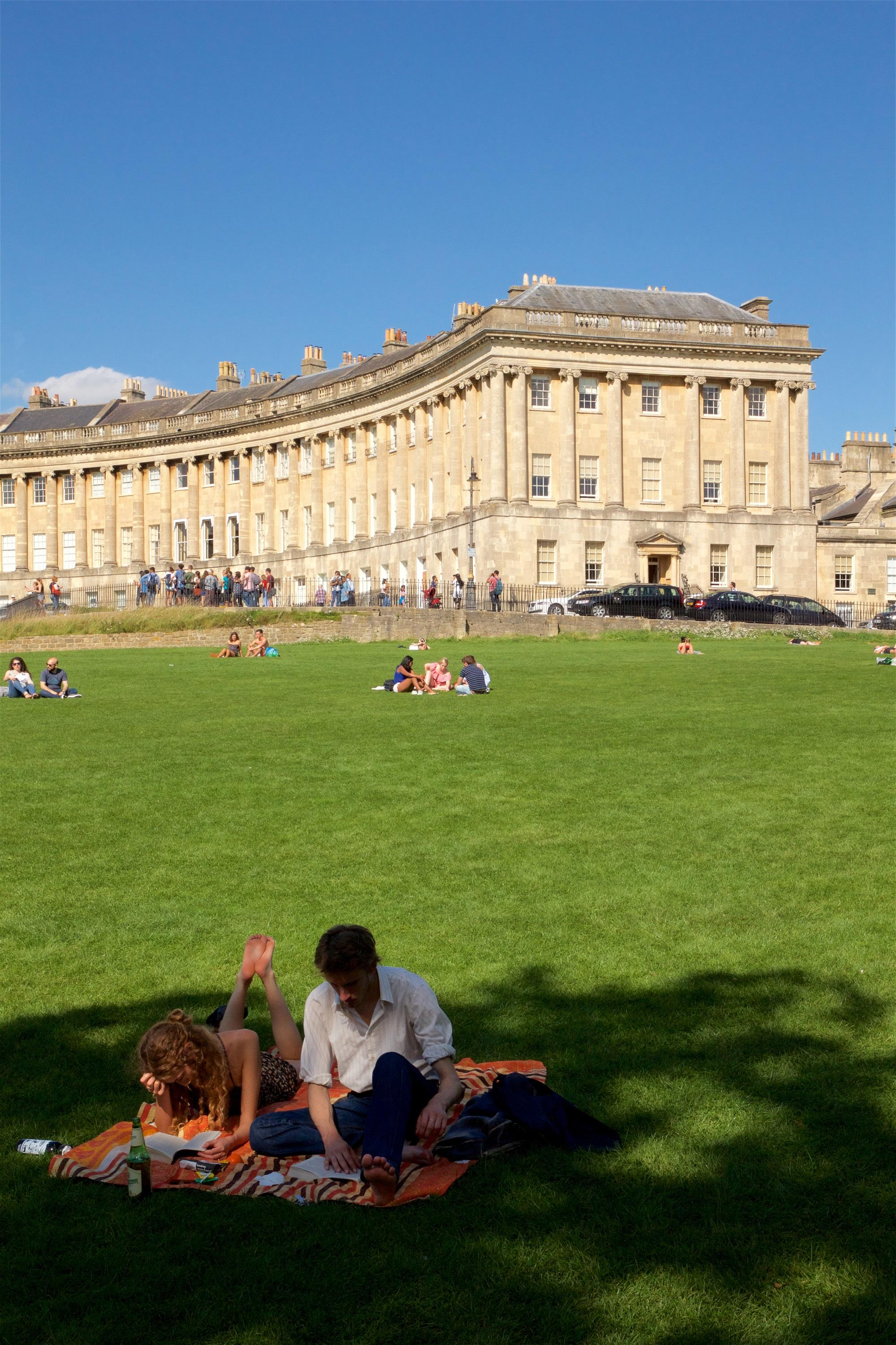 Bath Walking Tour with a Blue Badge Tourist Guide every afternoon