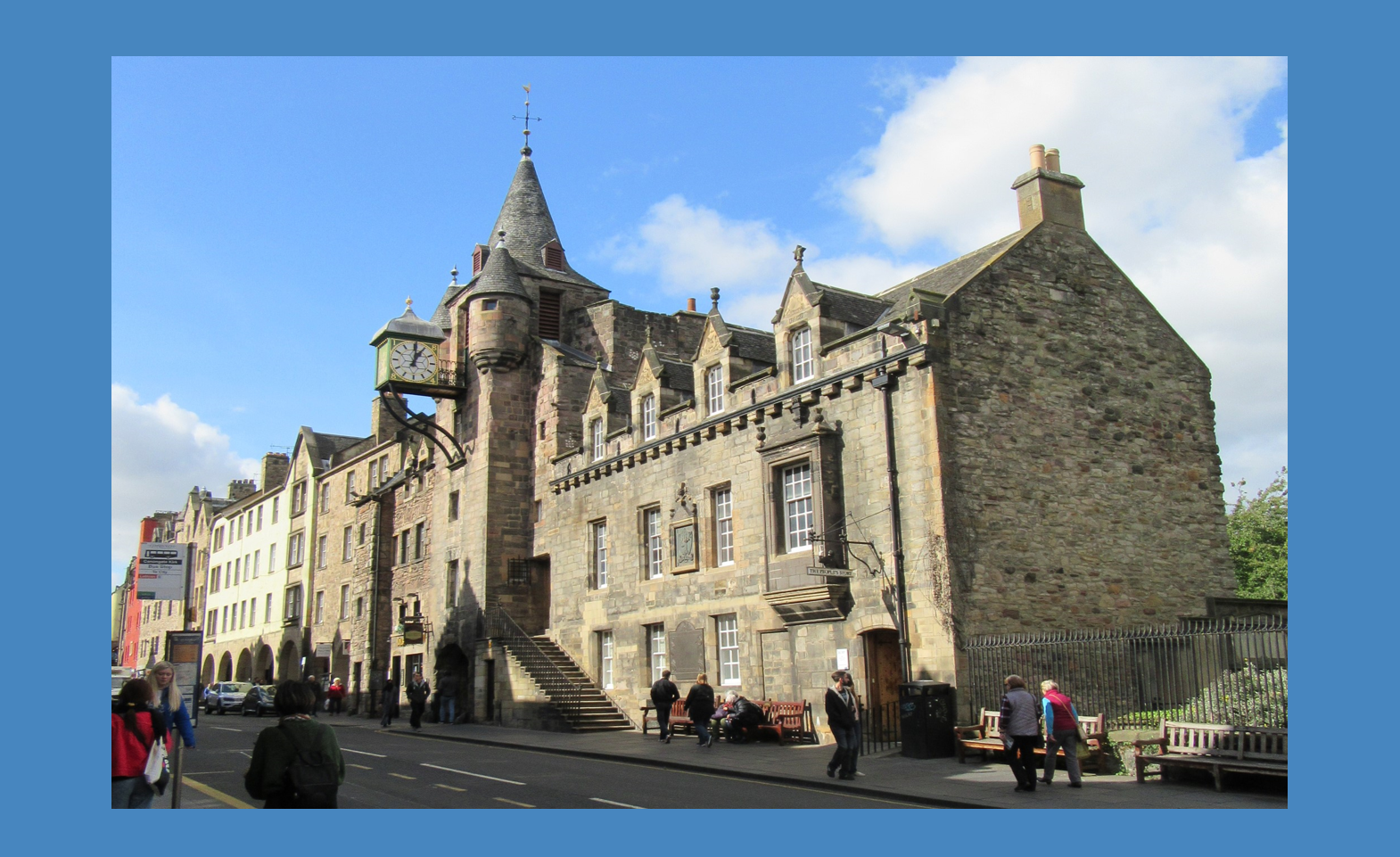 Edinburgh Uncovered: 900 Years in 90 Minutes walking tour