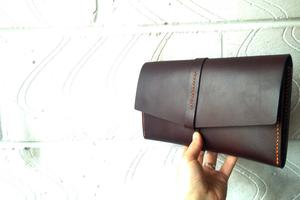 Working with leather & leatherworking techniques to...